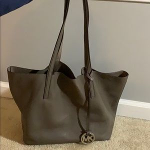 Slouch Michael Kors tote